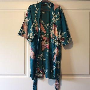 Other - Kimono Robe